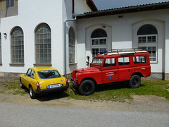 1971 Landrover 109 Station Wagon + 1980 MG B GT (themalvernhills) Tags: classic car 1971 rover land 88 landrover 109
