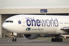 "Cathay Pacific ""One World"" Boeing 777-300 B-KPL (LHR Local) Tags: london plane airplane flying airport heathrow aircraft aviation flight jet aeroplane boeing 777 cathay spotting lhr heathrowairport lineup cathaypacific flugzeuge planespotting boeing777 oneworld egll 777300 canon6d philbroad bkpl"