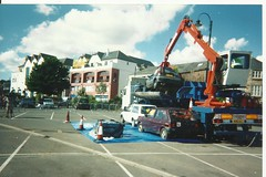 Car crushing penzance 2006. (RUSTDREAMER.) Tags: car austin fiesta metro 5 renault scrap crushed escort penzance 270 dvla carcrushing rustdreamer