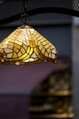 Delicado amarillo (Elishue [~Eli~]) Tags: cristal boqueria barcelona juegolvm amarillo
