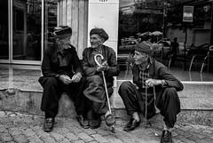 Friendly talks (Saman A. Ali) Tags: streetphotography stphotografia blackwhite blackandwhite bw monochrome people old men friends nikon