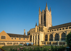 Peaceful evening view of St Edmundsbury Cathedral... (bardwellpeter) Tags: augusts burystedmunds cathedrals churchesuk nikonp330