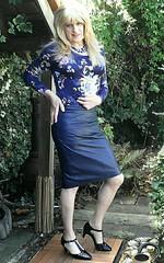 Patterned Tops (Amber :-)) Tags: navy leather pencil skirt tgirl transvestite crossdressing