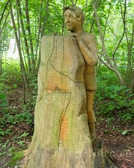 Knabe hinter Stein Wood Sculpture, Emmen, Lucerne, Switzerland (jag9889) Tags: sculpture jag9889 stone igemmenimwald reuss 20160727 wood publicart centralswitzerland switzerland emmen outdoor 2016 europe boy cantonlucerne alpine art artist ch carver figurenweg forest foresttrail helvetia holz holzskulpturenweg innerschweiz interessengemeinschaft kantonluzern lu landscape lucerne luzern reussuferweg riverbank schnitzer schweiz skulptur skulpturenweg streetart suisse suiza suizra svizzera swiss woodcarver zentralschweiz