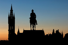 a silhouette (D Cation) Tags: scotland glasgow fieldmarshalearlroberts universityofglasgow statue spires silhouette sunset gloaming kelvingrove
