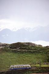Rochers-de-Naye   CH-VD (Vaud)   22.09.1980   MGN-ABhe 2/4 (Kurbelwelle) Tags: bahnen bahnenchschweiz chmgn chschweiz eisenbahn elektrischetraktion europa länder triebwagen rochersdenaye chvdvaud ch