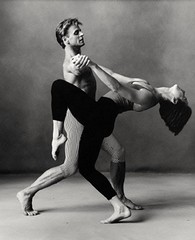 """ Dancers ( Mikhail Barishnykov) "" 1989 by Annie Leibovitz / Art Photography / Popular Art (lalek72.popart) Tags: annieleibovitz dancersmikhailbaryshnjikov artprint fineart ballet popart popartculture artphotography balletdancers"