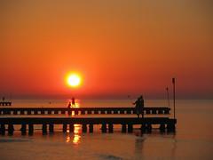 Everybody loves sunrise (Frank Lammel) Tags: 2016 canon italien kevinsbilder lidodijesolo sx100 sonnenaufgang urlaub sunrise adria italy water orange sun