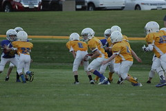 1343 (bubbaonthenet) Tags: 09292016 game stma community 4th grade youth football team 2 5 education tackle 4 blue vs 3 gold