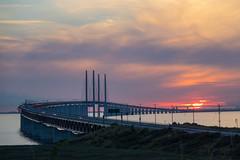 resundsbron at Sunset (Infomastern) Tags: malm bridhe bro bunkeflostrand cloud hav sea sky solnedgng sunset water resundsbron