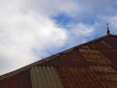Caz Kreyol (Ren-s) Tags: ciel sky roof toit tle sheet metal rouille rust clouds nuages orange blue bleu larunion reunionisland island le dom crole house maison case couleur lumire daylight