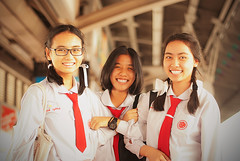 A Trio Thai School Girls II (The Tea God) Tags: travel girls red smiling female asian uniform southeastasia exterior bangkok teenagers thai schoolgirls   kingdomofthailand