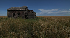 Alone (Len Langevin) Tags: abandoned old house home building derelict weatheredwood alberta canada farm nikon d300s tokina 1116