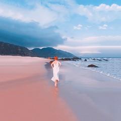 F R E E D O M (Ri) Tags: stunning phanrang beaches runaway raikko rai iphone iphoneography moltobella bellissima