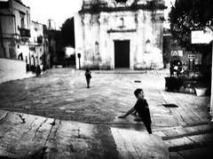 Monte Sant'Angelo ©2016 Nicola Nigri (Lifeinpicture) Tags: iphone4 blackandwhite square children puglia street robertcapa contrast grain monochrome