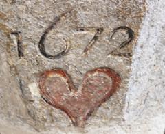 """JOUR 218 : Un vieux """"2"""" (Anne-Christelle) Tags: projet365 365project nombre chiffre 1672 coeur heart deux two 2 lubron pierre"""