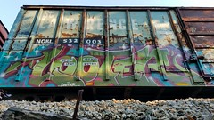 LOOTER (BLACK VOMIT) Tags: graffiti looter loot wh st saint lawrence railroad boxcar box car freight train