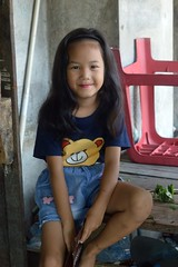 cute girl with lipstick (the foreign photographer - ) Tags: oct22016nikon cute girl child lipstick khlong bang bua portraits bangkhen bangkok thailand nikon d3200