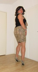 cougar skirt with seamed stockings (Barb78ara) Tags: stockings stockingtops seams seamedstockings nylon nylons seamednylon cougar cougarprint animalprint cougarskirt blacktop turtlenecktop pumps highheels highheelpumps cougarpumps