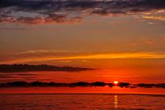 Untitled (Grzesiek.) Tags: sunset zachdsoca sky niebo cloud chmury dusk wieczr evening batyk morze morzebatyckie