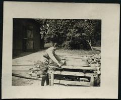 Archiv H714 Brennholz schneiden (Hans-Michael Tappen) Tags: archivhansmichaeltappen brennholz kreissge holz ste hitlerjugend hj hitlerjunge pimpf pimpfe jugend uniform 1930er 1930s