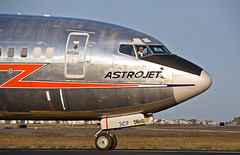 Retro American Airlines  Astrojet (jp.marottta) Tags: retrolivery n951aa americanairlines nikond90 b737800 boston kbos boeing astrojet
