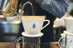 Blue Bottle CoffeeAoyama Caf (Iyhon Chiu) Tags:   coffee aoyama           bluebottle caf cafe