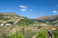 Meso Frio, Portugal (Benjamin Gillet) Tags: blue sky cloud naturaleza portugal nature landscape vineyard cloudy vine natura bleu ciel porto douro 24 mm 24mm paysage vignes vignoble frio vigne mesaofrio mesao