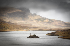 The Old Man of Storr (Phil Hunter (VividVista)) Tags: cloud scotland nikon mood isleofskye innerhebrides d800 oldmanofstorr thestorr lochfada vividvista