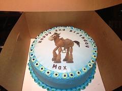 Bullseye Toy Story Cake by Vicki H www.birthdaycakes4free.com Santa Cruz, CA