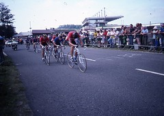1982 World Cycling Champ035 (Tim Callaghan) Tags: cycling jones 1982 bikes flags kelly 35mmslides roads crowds goodwood lemond saroni worldroadracechampionships