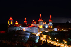 Old Castle, night view (intui.pro) Tags: kamianetspodilskyi old town architecture fortress nature reserve museum tourism towers palaces temples walls history strengthening ukraine outdoor plant stronghold citadel bastion fastness stone stones stonework text ruins tower canyon hill landscape sky