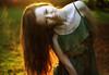 Greta (Julia L.S) Tags: girl chica vestido vestidoverde magic magico reportaje photography magiclight cambridge cambridshire england inglaterra unitedkingdom landscapeuk landscape 50mm canon50mm colours green orange atardecer sunset sunshine autumn otoño happy love nature naturaleza forest bosque parque park