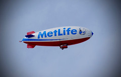 Metlife Blimp (mrgraphic2) Tags: sonyrx10 metlife blimp sign indianapolis aircraft 400mm