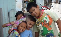 children and straws (the foreign photographer - ) Tags: dscaug142016sony four children three boys multi colored straws khlong lard phrao portraits bangkhen bangkok thailand sony rx100