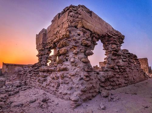 #uae #rasalkhaima #jazeeratalhamra #ghosttown #nikon #sigma #lr #snapseed #ruins