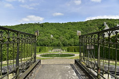 Rambarde en fer forg (Flikkersteph -4,000,000 views ,thank you!) Tags: springtime garden greenery footpaths trees hedges foliage lawn plants vegetation cloudy castle shadow touristic tranquillity beauty nature hastire wallonia belgium