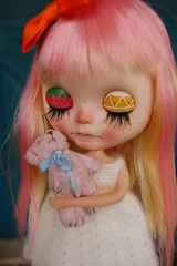 DSC_0024 (Lindy Dolldreams) Tags: blythedoll doll pink strawberrie sweetcrate bear