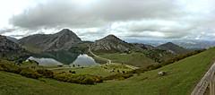Panorama Lago Enol HDR (R.D. Gallardo) Tags: paisaje panoramica panorama hdr raw lago asturias picos europa enol covadonga