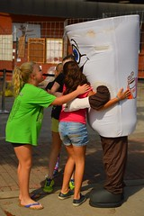 Hugs for Dunkin Donuts (radargeek) Tags: dunkindonuts costume plazadistrict plazafest okc oklahomacity hugs