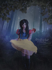Snow White (LaraGirlySkull) Tags: dark darkart darkness digitalart darklady disneycosplay disney snow white tales photoshop photomanipulation princess fantasy forest fotomanipulacion fotomontaje fantasyart