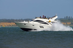 Clueless at Speed ! (David Blandford photography) Tags: calshot hampshire southamptonwater speed clueless