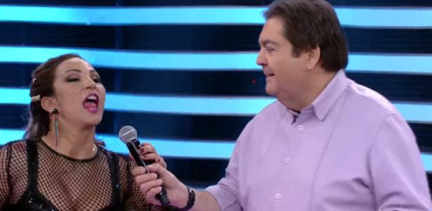 Após roubar microfone de Faustão, Valesca promete não repetir episódio