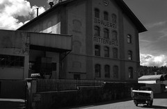 Brauerei Mittenwald (patrickkuhl) Tags: brauerei brewery mittenwald germany europe beer building architecture car film filmphotography filmisnotdead filmcamera analog 35mm leica summicron summicronc 40mm m4p leicam4p blackwhite blackandwhite monochrome street streetphotography agfa vista agfavista