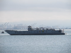 US Navy Landing Craft Utility (LCU) 1665 (Pest15) Tags: fleetweeksanfrancisco2016 usnavylandingcraftutility1665 landingcraft transport vessel boat unitedstatesnavy usnavy sanfrancisco