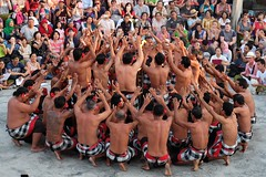 Danse Kecak, Bali (GeckoZen) Tags: danse lecak ramayana bali indonesia uluwatu