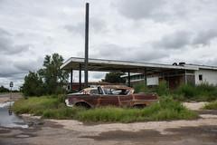 Abandoned Gas Station, Grandfalls, Texas (adamkmyers) Tags: westtexas grandfalls abandoned classiccar