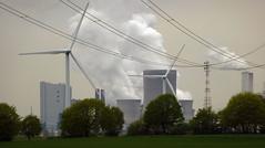 Frhling im Rheinland 2013 - Windrder vor Braunkohlekraftwerk (borntobewild1946) Tags: windrder windkraft stromleitungen windkraftrder braunkohlekraftwerk copyrightbyberndloosborntobewild1946 rheinischerfrhling