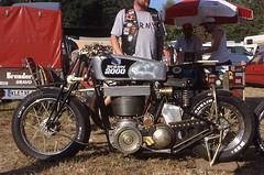 Thumper extreme (Rob de Hero) Tags: film analog 2000 extreme slide dia motorbike single motorcycle analogue bison thumper paddock nsu motorrad extrem fahrerlager schottenring einzylinder schotten bison2000