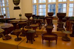 Escupideras (vienadirecto) Tags: vienna wien austria europa europe objetos viena muebles habsburger hofmobiliendepot suntuarios
